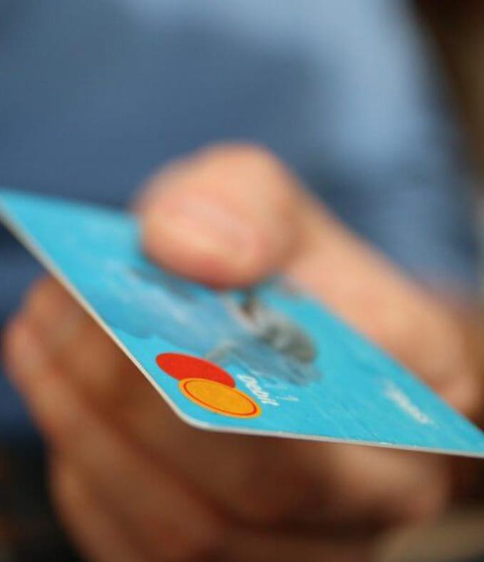 Причины, по которым стоит иметь карту с кредитным лимитом